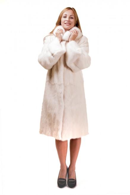 Пальто из меха норки (модель 700)